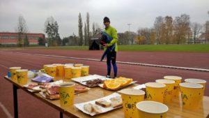 Uroczyste sniadanie, obiad i kolacja = bufet ultarmaratończyków :)